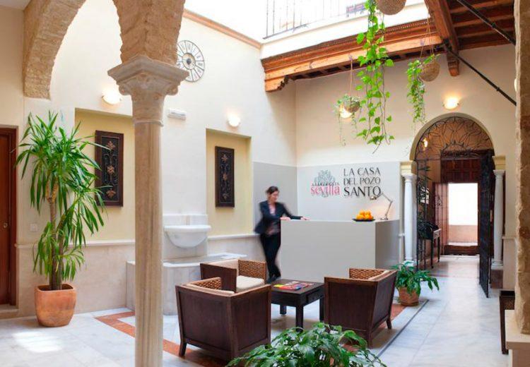 Edificación. Grupo Zinc. Apartamentos Plaza Pozo Santo. Sevilla