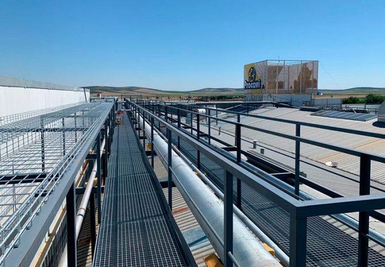 Rack para tuberías en Procavi. Obra Industrial. Grupo Zinc.